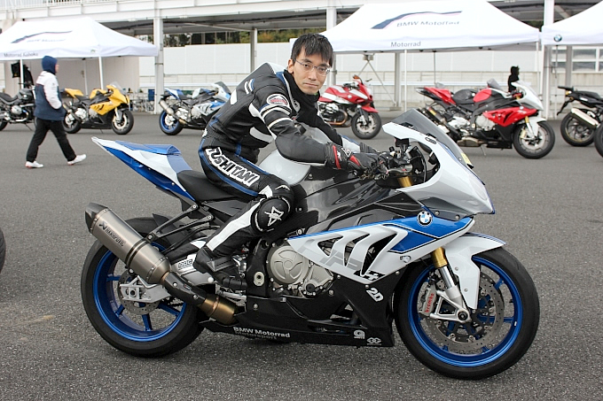 BMW HP4(2013) celestial blueさんの愛車紹介 画像