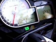 2010年新登場 BMW S1000RR コックピットの画像