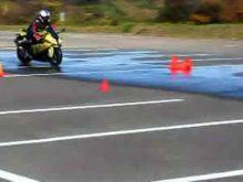 BBライダートレーニング 3-8.ウェット路面で急制動(S1000RR)の画像