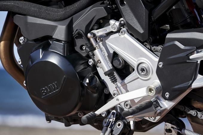 BMW Motorrad F900XR(2020)/ 長い足が路面をつかむスポーティで快適な万能マシンを試乗インプレの画像