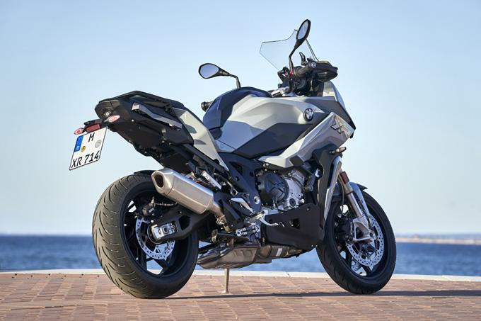 BMW Motorrad S1000XR (2020) / 速さに快適を求めた万能スーパースポーツだ!の画像